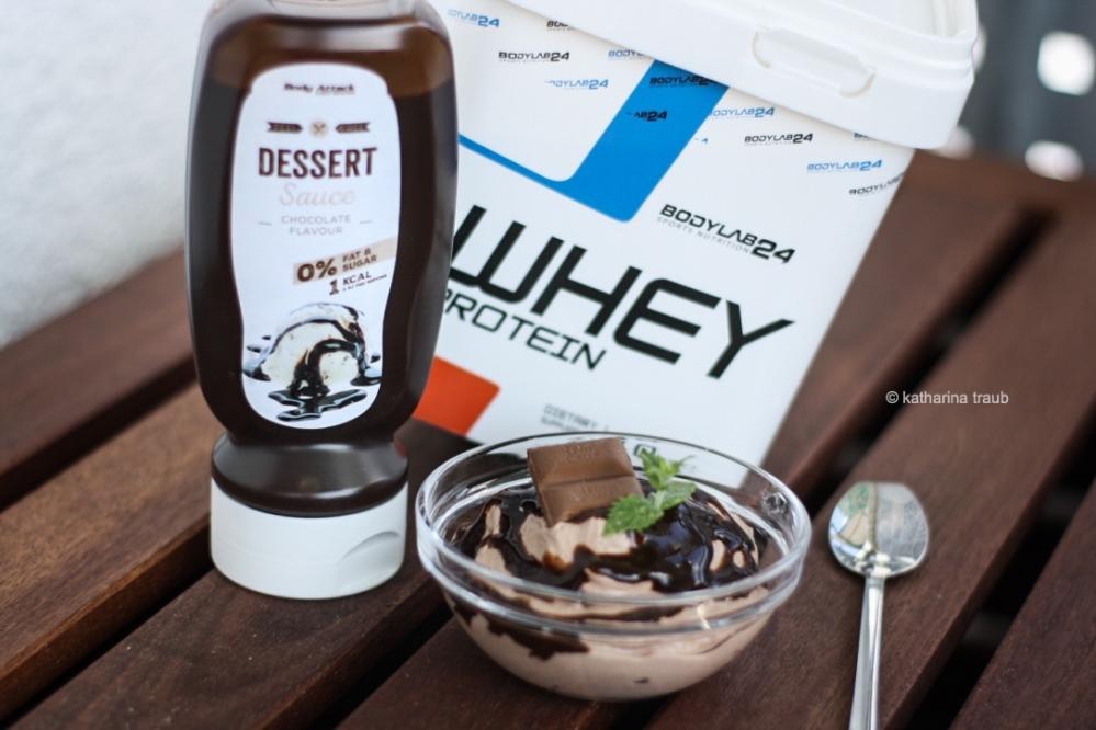 schnelle Schokoladen-Haselnuss- Creme Sauce WEB
